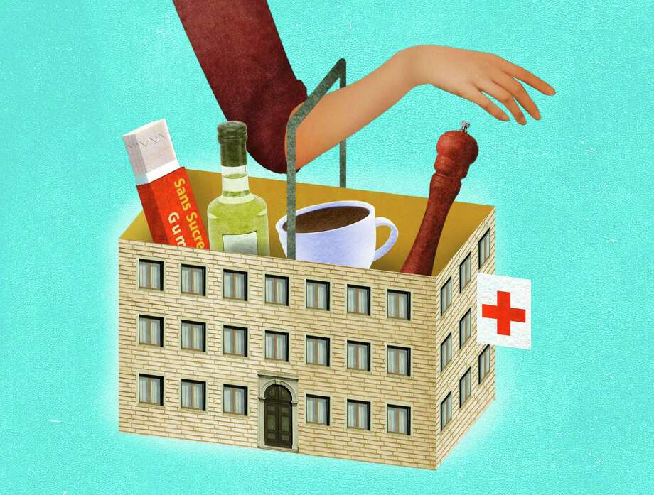 Travel-savvy physicians, pharmacists and scientists suggest that some grocery items available almost anywhere can do double duty for on-the-road ailments. (Ellen Weinstein/The New York Times) Photo: ELLEN WEINSTEIN / NYTNS