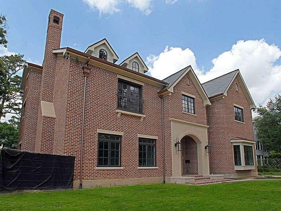 2924 Chevy Chase| Greenwood King Properties | Agent: Colleen Sherlock | 713-524-0888 | Photo: GKP