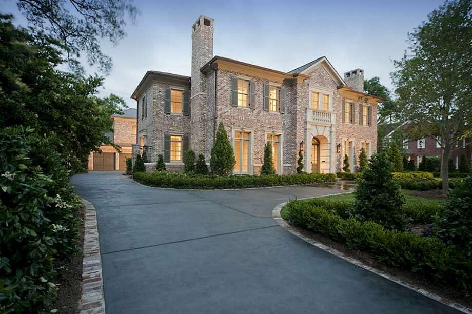 2041 Claremont | Greenwood King Properties | Agent: Melinda Noel | 713-201-7400 | Photo: GKP