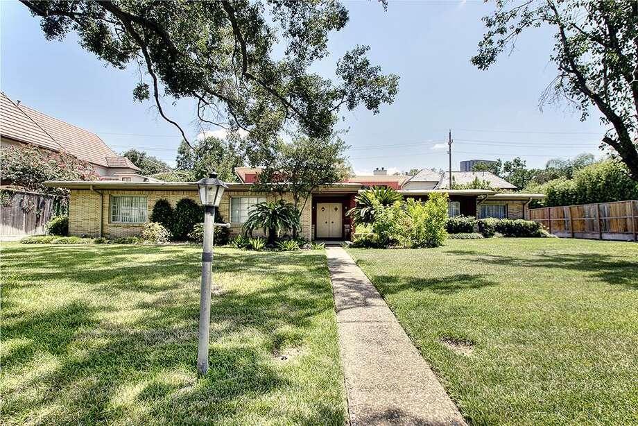 5457 Sugar Hill Drive| Greenwood King Properties | Agent: Kathleen Vann | 713-784-0888 | Photo: GKP