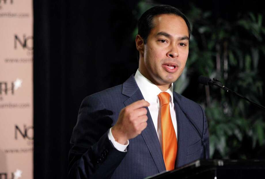 Former San Antonio Mayor Julián Castro speaks to the North San Antonio Chamber of Commerce about his Pre-K 4 SA program on Friday, Aug. 3, 2012. Photo: Helen L. Montoya, San Antonio Express-News / SAN ANTONIO EXPRESS-NEWS