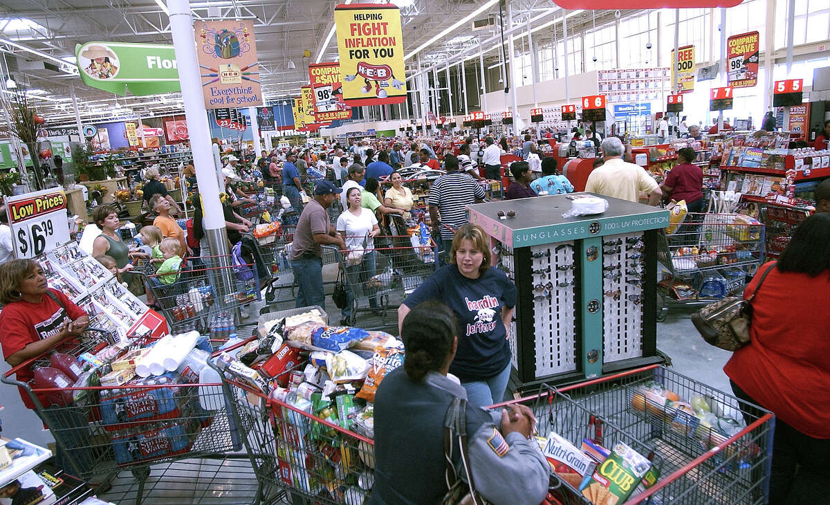 The HEB grocery store on Dowlen Road in Beaumont was doing a lot of business Thursday morning with people stocking up on supplies in preparation for the arrival of Hurricane Ike. People were stocking up on already cooked items, water, canned goods and ice Dave Ryan/The Enterprise