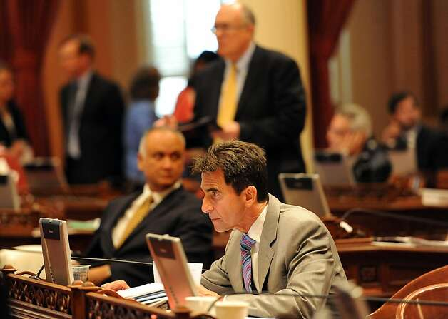 State Sen. Mark Leno, D-San Francisco, is on the floor at the Capitol as last-minute legislation is being considered. Photo: Susana Bates, Special To The Chronicle