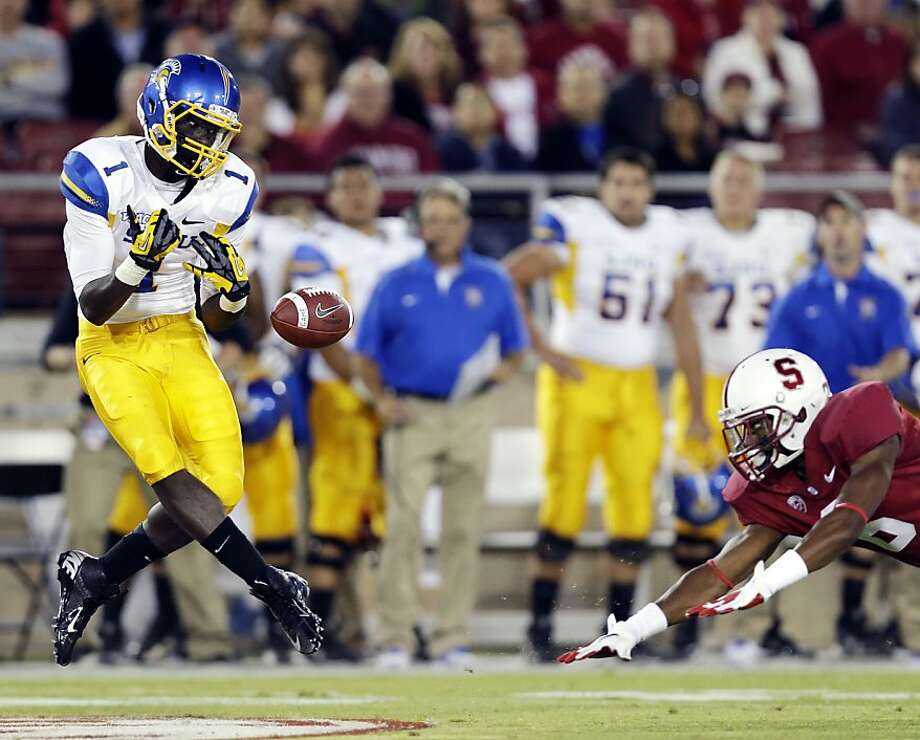 San Jose State wide receiver Jabari Carr, left, drops a pass in front of Stanford's Terrence Brown during the first half of an NCAA college football game in Stanford, Calif., Friday, Aug.  31, 2012. (AP Photo/Marcio Jose Sanchez) Photo: Marcio Jose Sanchez, Associated Press