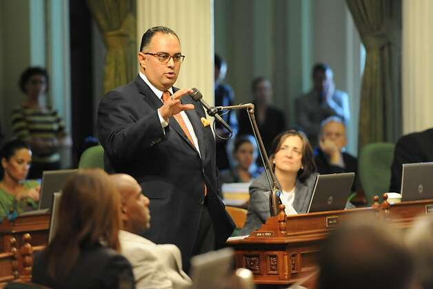 Assembly Speaker John Pérez, D-Los Angeles, speaks on the pension bill Friday, the session's last day. Photo: Susana Bates, Special To The Chronicle