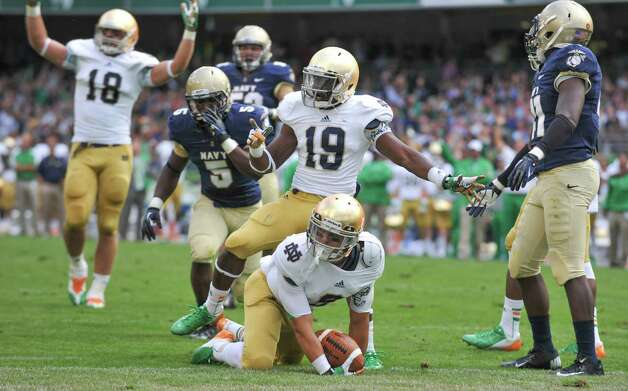 DUBLIN, IRELAND - SEPTEMBER 01: Robby Toma #9 of Notre Dame reacts after scoring a touchdown during the Notre Dame vs Navy game at Aviva Stadium on September 1, 2012 in Dublin, Ireland. Photo: Barry Cronin, Getty Images / 2012 Getty Images