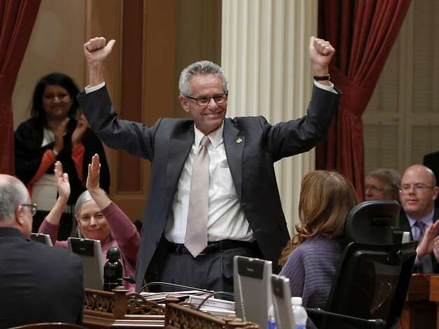 State Sen. Alan Lowenthal, D-Long Beach, gets a round of applause as fellow senators bid their termed-out colleague farewell. Photo: Rich Pedroncelli, Associated Press