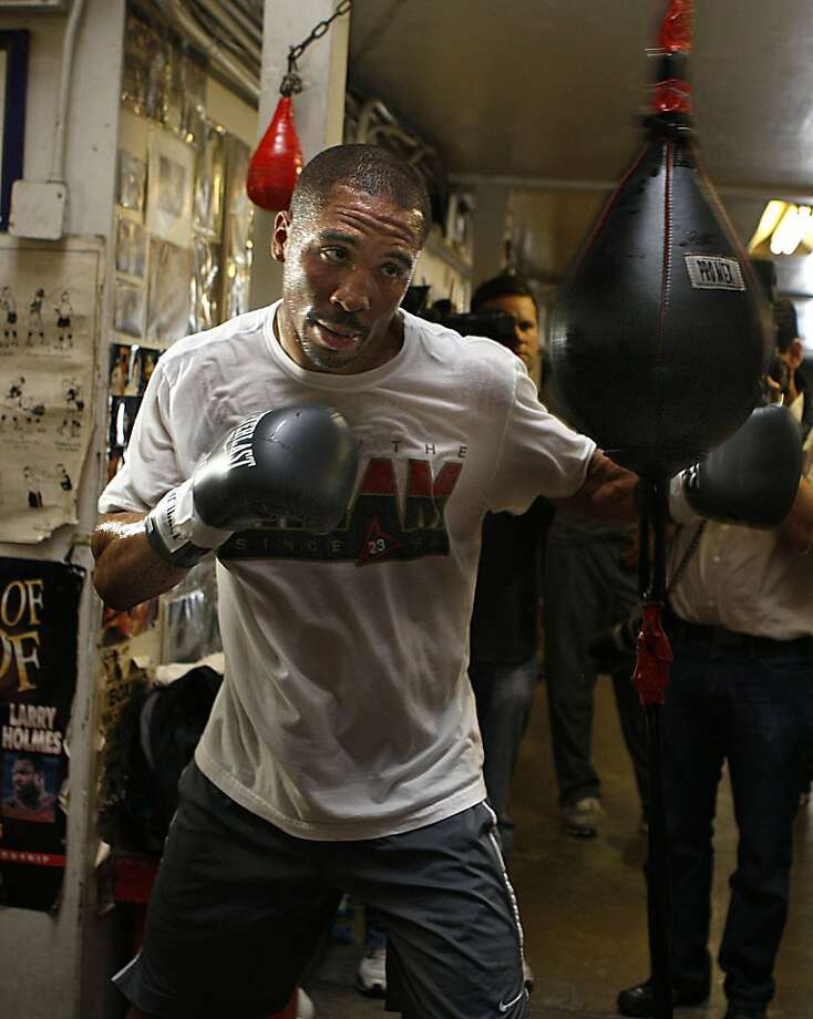 Andre Ward at Kings Boxing Gym in Oakland, before his title defense against Chad Dawson. Photo: Liz Hafalia, The Chronicle