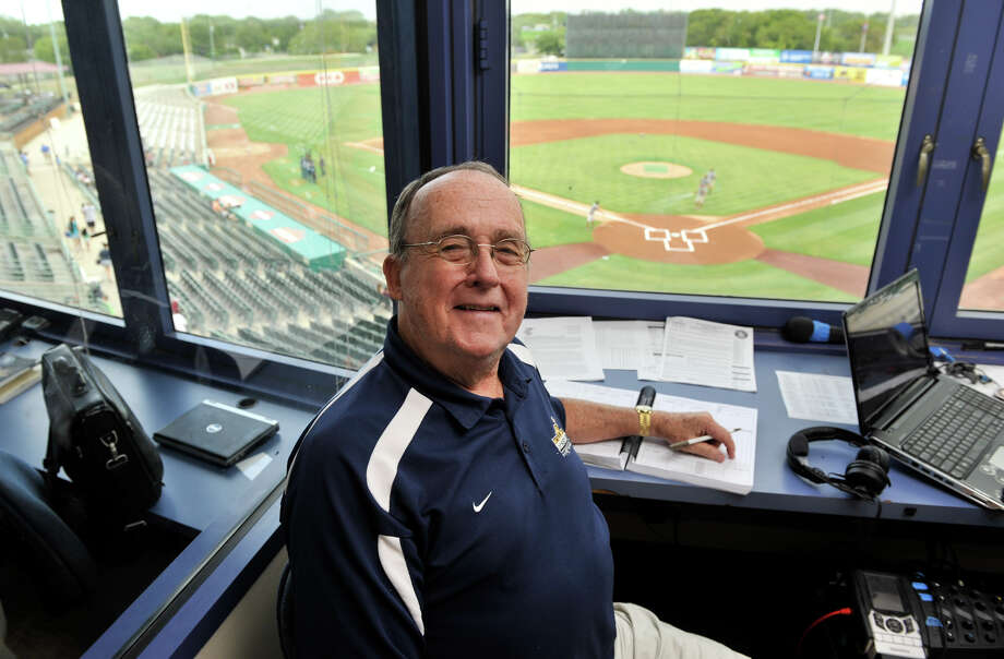 "Roy Acuff, 73, will call his final game Monday. ""What a good hire he turned out to be,"" team president Burl Yarbrough said of the voice of the Missions. Photo: For The Express-News"