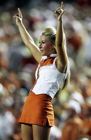 Texas hosts Wyoming at D.K.Royal Stadium in Austin on September 1, 2012. Photo: Tom Reel, Express-News / ©2012 San Antono Express-News