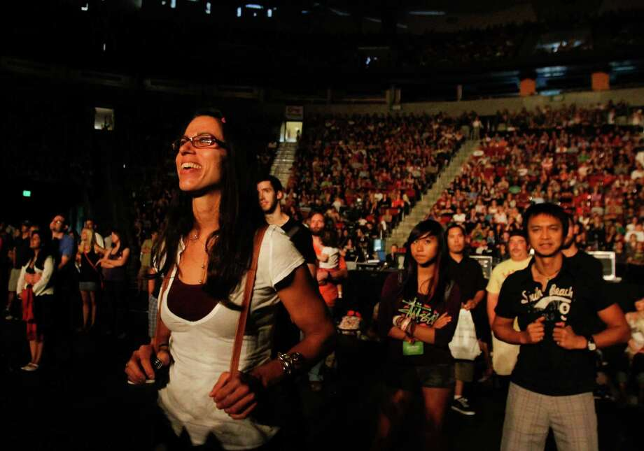 A woman watches as Gotye performs live. Photo: Sofia Jaramillo / SEATTLEPI.COM