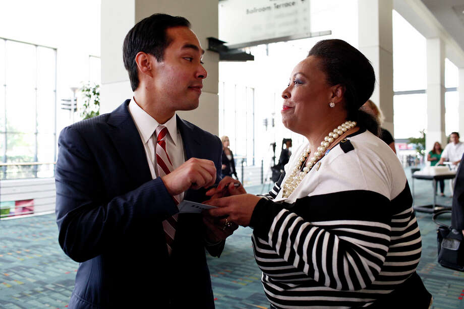 Mayor Julian Castro signs his autograph for Lena Kennedy, a delegate from Pasadena, CA, after a meeting of the Credentials Committee, which he is the co-chair of, at the Charlotte Convention Center in Charlotte, NC, for the Democratic National Convention on Sunday, Sept. 2, 2012. Photo: Lisa Krantz, San Antonio Express-News / San Antonio Express-News