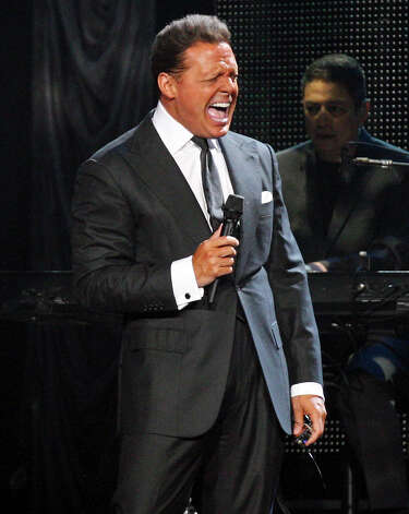 Luis Miguel performs at Festival People en Español held Sunday Sept. 2, 2012 at the Alamodome. Photo: Edward A. Ornelas, San Antonio Express-News / © 2012 San Antonio Express-News