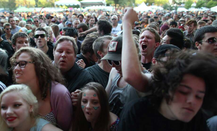 Fans crowd the front as the band Mudhoney performs on the Sub Pop Stage. Photo: JOSHUA TRUJILLO / SEATTLEPI.COM