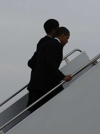 President Obama and First Lady Michelle Obama depart from Fort Hood. (Rick Dunham / Houston Chronicle)