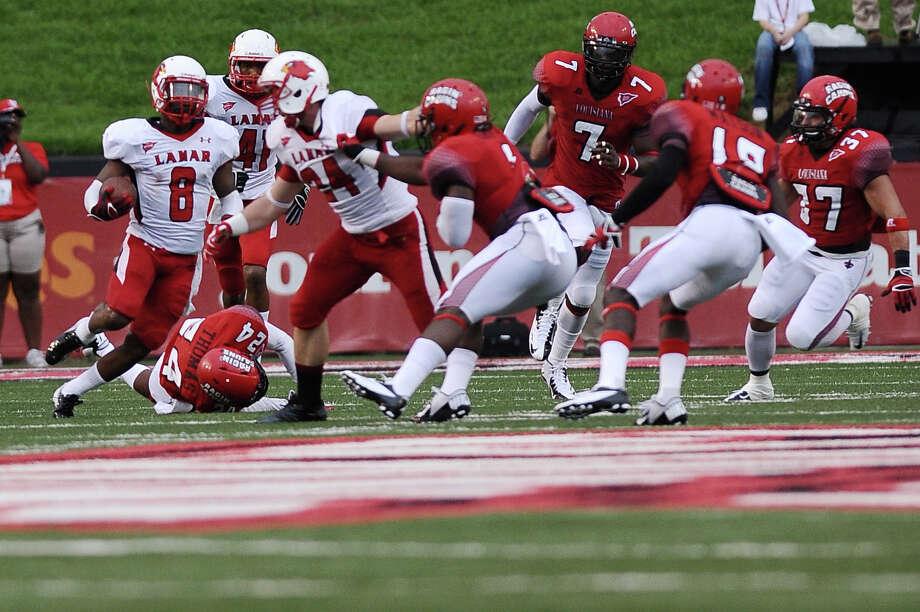 Football game between Lamar University and Louisiana-Lafayette at Lafayette on Saturday, September 1, 2012. Photo taken: Randy Edwards/The Enterprise Photo: Randy Edwards, Photojournalist / Enterprise
