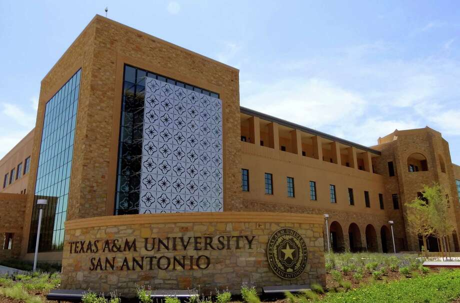Texas A&M University-San Antonio, among others, is in need of infrastructure projects. Photo: BILLY CALZADA, SAN ANTONIO EXPRESS-NEWS / gcalzada@express-news.net