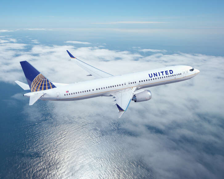 United Airlines announced an order of 150 Boeing 737s. The order includes 100 of the 737 MAX 9 model shown in the photo.