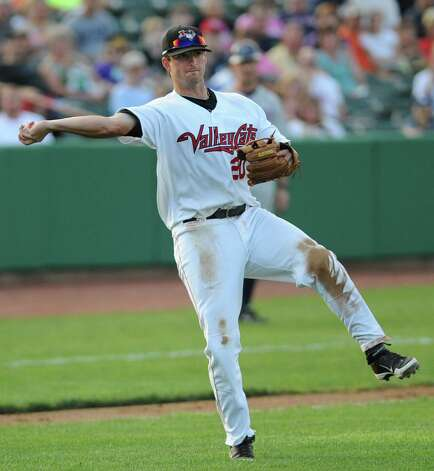 ValleyCats third baseman Ryan Dineen one hands a short hopper to first base during a baseball game against Hudson Valley at Joe Bruno Stadium Monday, Sept. 3, 2012 in Troy, N.Y. (Lori Van Buren / Times Union) Photo: Lori Van Buren