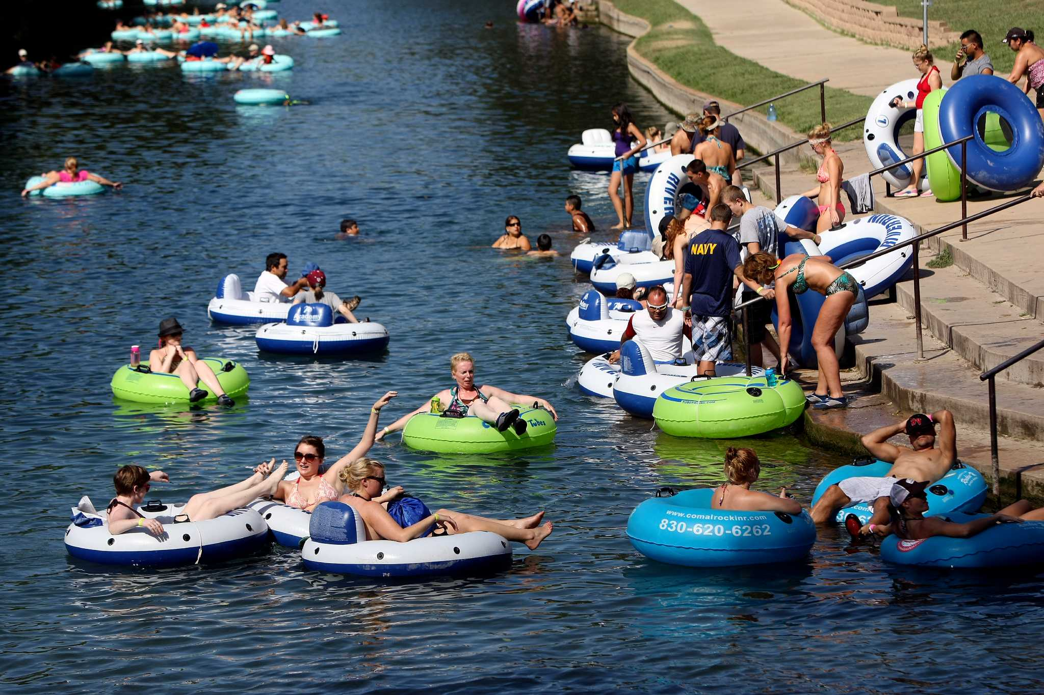 Smaller Tubing Crowds Seen On Rivers San Antonio Express