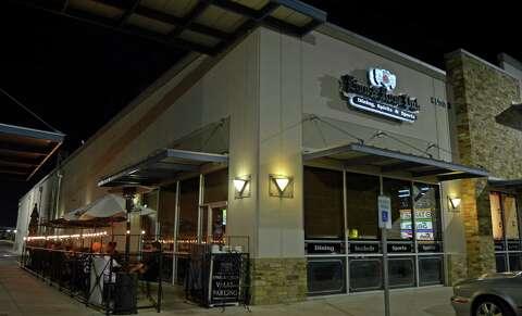 Pub Crawl: The Lion & Rose British Restaurant & Pub, Park