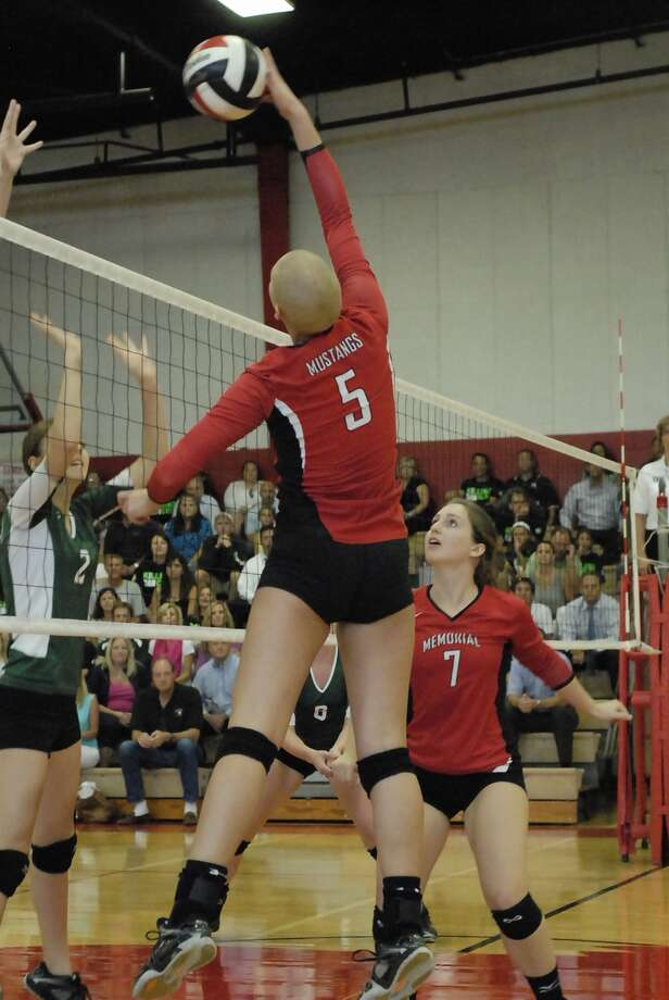 Carly Freels (#5) and Kelsey Moreland (#7) with Memorial play offense during their game with Stratford at Memorial Tuesday 8/28/12. Photo  by Tony Bullard. Photo:  Tony Bullard 2012 / © Tony Bullard & the Houston Chronicle
