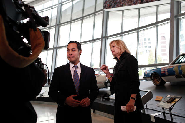 Mayor Julian Castro and Diane Sawyer pause to change positions during their interview for ABC World News at the Nascar Hall of Fame before the start of the Democratic National Convention in Charlotte, NC on Tuesday, Sept. 4, 2012. Photo: Lisa Krantz, San Antonio Express-News / San Antonio Express-News