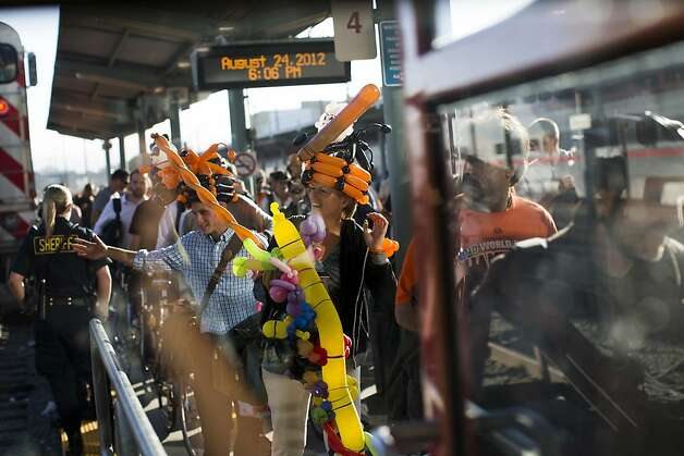 Passengers from Caltrain crowd onto the platform on a recent game day at the S.F. terminal at Fourth and King streets. Photo: Stephen Lam, Special To The Chronicle