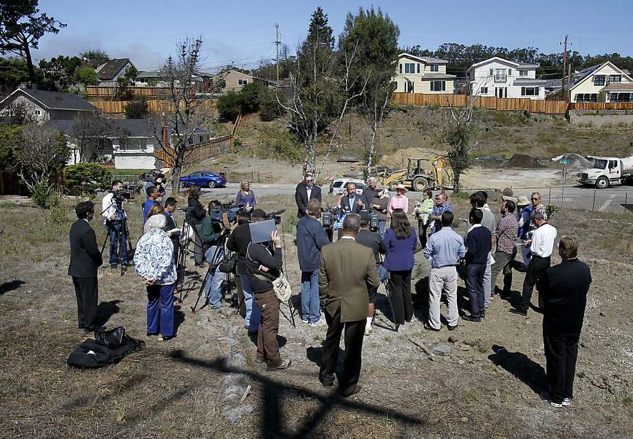 Neighbors and the media listened to Assemblyman Jerry Hill speak on a now empty lot just yards away from where the pipeline erupted. As the second anniversary of the PG&E gas pipeline disaster in San Bruno, Calif. approaches, some neighborhood residents gathered with local politicians to talk about pipeline safety Tuesday September 4, 2012. Photo: Brant Ward, The Chronicle