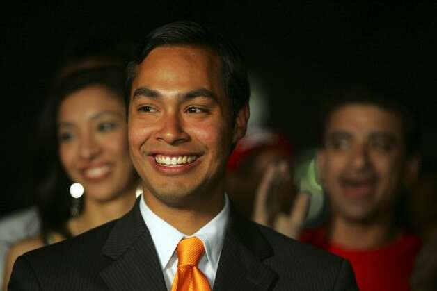 Mayoral candidate Julian Castro smiles after announcing his runoff election against Phil Hardberger at his campaign headquarters in the evening on Saturday, May 7, 2005. Castro was leading the early voting with 39 percent of the votes. (JERRY LARA / SAN ANTONIO EXPRESS-NEWS)