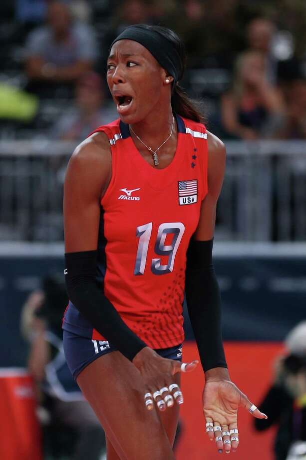Destinee Hooker #19 of United States reacts after a point against Korea during the Women's Volleyball semifinal match on Day 13 of the London 2012 Olympics Games at Earls Court on August 9, 2012 in London, England. Photo: Elsa, Getty Images / Getty Images Europe