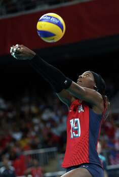 Destinee Hooker #19 of United States passes the ball in the second set against Turkey during Women's Volleyball on Day 9 of the London 2012 Olympic Games at Earls Court on August 5, 2012 in London, England. Photo: Elsa, Getty Images / Getty Images Europe