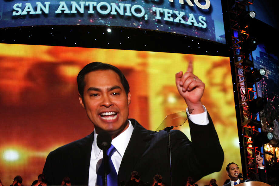 Glenn Kessler says Mayor Julián Castro stretched the truth with his characterization of President Barack Obama's record on creating jobs. Photo: Lisa Krantz, San Antonio Express-News / San Antonio Express-News