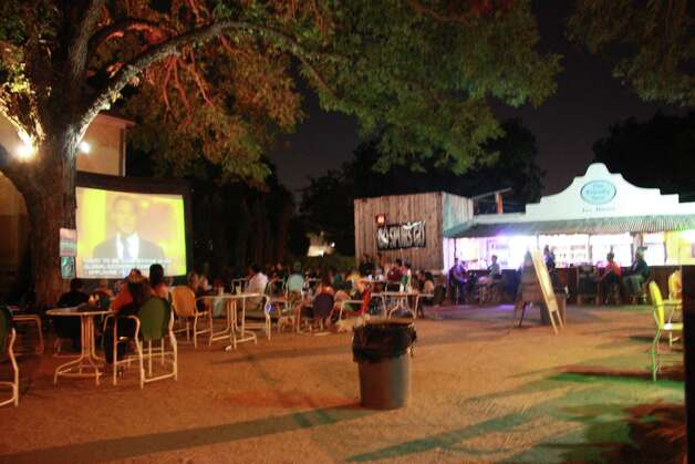 San Antonio residents gather at The Friendly Spot to watch the TV  broadcast of Mayor Julián Castro speaking at the Democratic National  Convention on Tuesday, Sept. 4, 2012. Photo: Libby Castillo,  For MySA.com