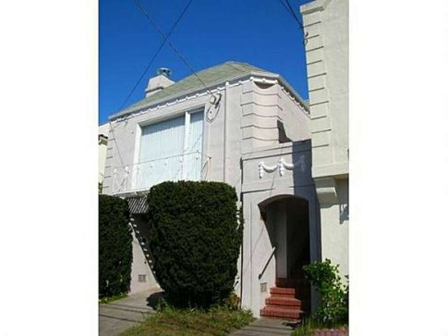 For $3,500, you can get three bedrooms, two baths, in the Sunset District, close to Muni lines. (Zillow)