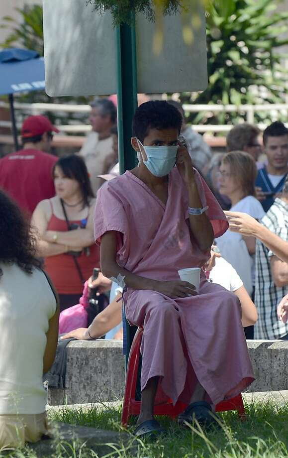 Patients of the Hospital Calderon Guardia in San Jose are evacuated after a powerful 7.6-magnitude earthquake struck near the Pacific coast of Costa Rica on September 5, 2012 briefly knocking out power and communications and triggering tsunami warnings. Photo: Rodrigo Arangua, AFP/Getty Images