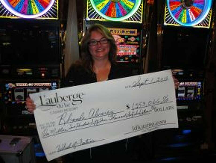 Rhonda Alvarez won more than $1,000,000 on the Wheel of Fortune game at L'Auberge du Lac casino in Lake Charles, La. (HC)