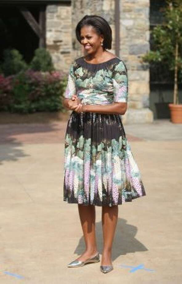 Michelle Obama greets First Ladies from various countries before touring Stone Barns Center for Food and Agriculture on September 24, 2010 in Pocantico Hills, Westchester county, New York.  (Hiroko Masuike / Getty Images)