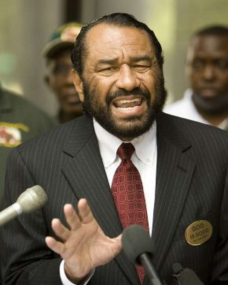Congressman  Al Green (TX-09) addresses the media  in front of the Federal Courthouse regarding  President Bush's nomination of Leslie Southwick to the 5th Circuit Court of Appeals, which includes the states of Texas, Louisiana, and Mississippi.  Southwick has been accused of making some racially insensitive remarks during  a recent trial. (Bob Levey/For The Chronicle) (Bob Levey / For The Chronicle)