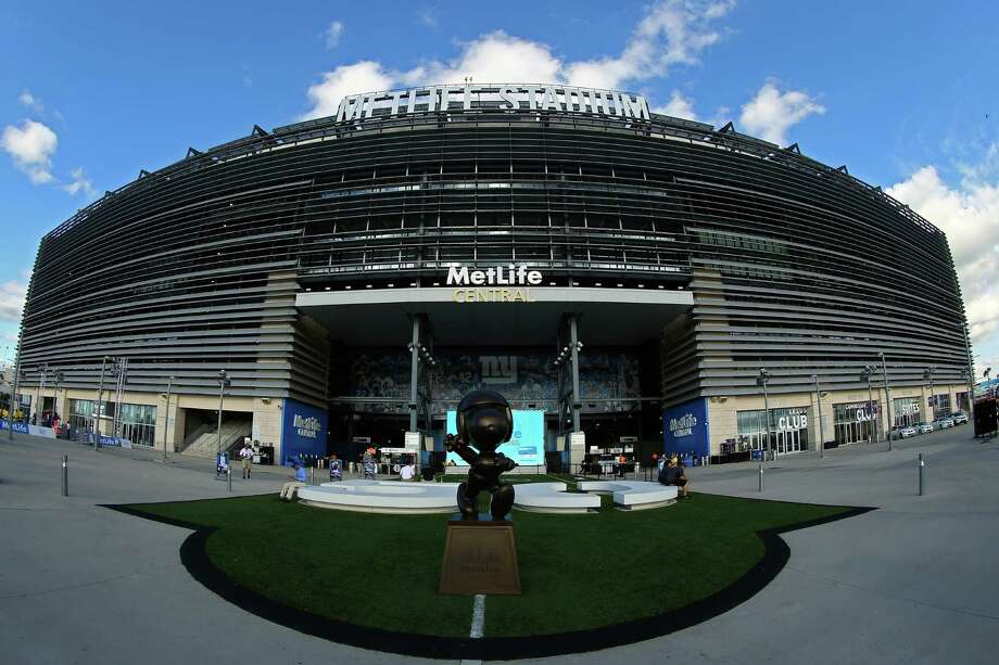 EAST RUTHERFORD, NJ - SEPTEMBER 05:  MetLife Stadium is seen prior to the 2012 NFL season opener between the New York Giants and the Dallas Cowboys on September 5, 2012 in East Rutherford, New Jersey. Photo: Al Bello, Getty Images / 2012 Getty Images