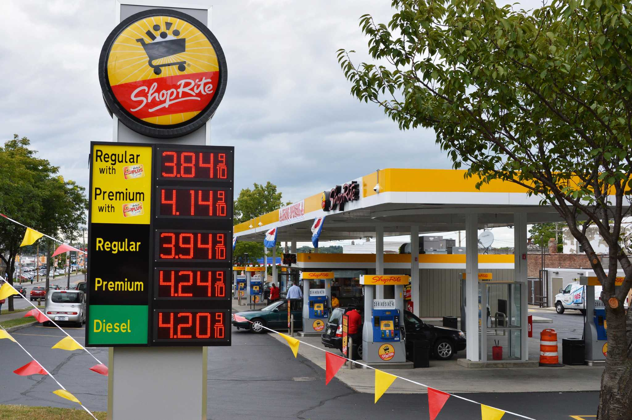 shoprite gas station open for business
