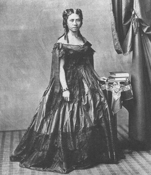 Lydia Kamakaeha, later known as Queen Lili'uokalani,  in a photo from 1865 or earlier. She was ed