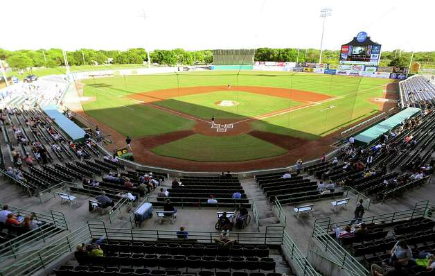 Wolff Stadium, home of the San Antonio Missions, is named for County Judge Nelson Wolff. Photo: Billy Calzada, San Antonio Express-News / SAN ANTONIO EXPRESS-NEWS