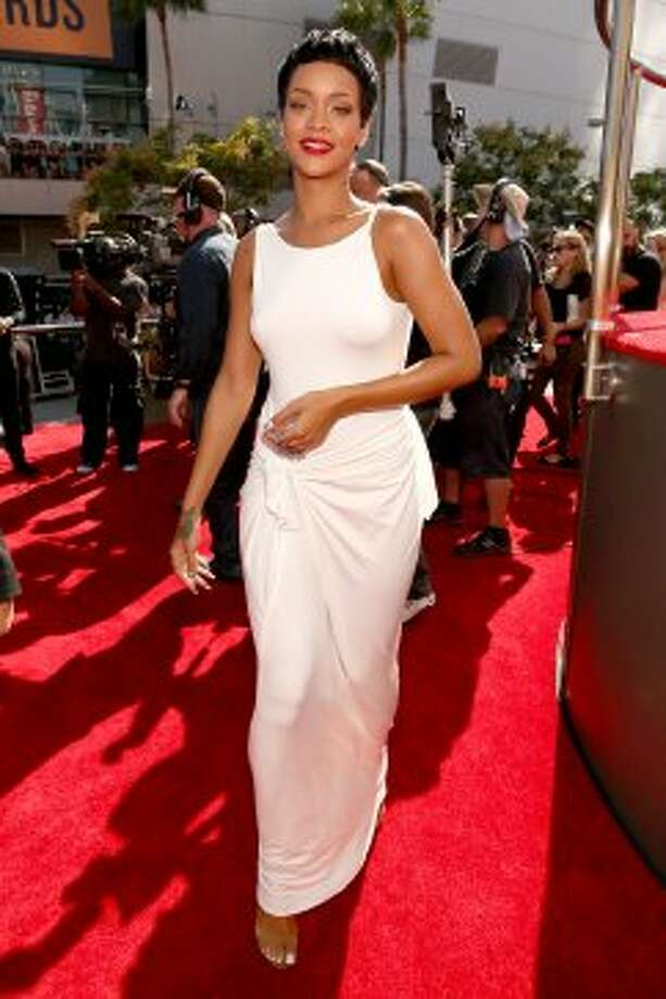Singer Rihanna arrives at the 2012 MTV Video Music Awards at Staples Center in Los Angeles on Thursday, Sept. 6, 2012. (Christopher Polk / Getty Images)