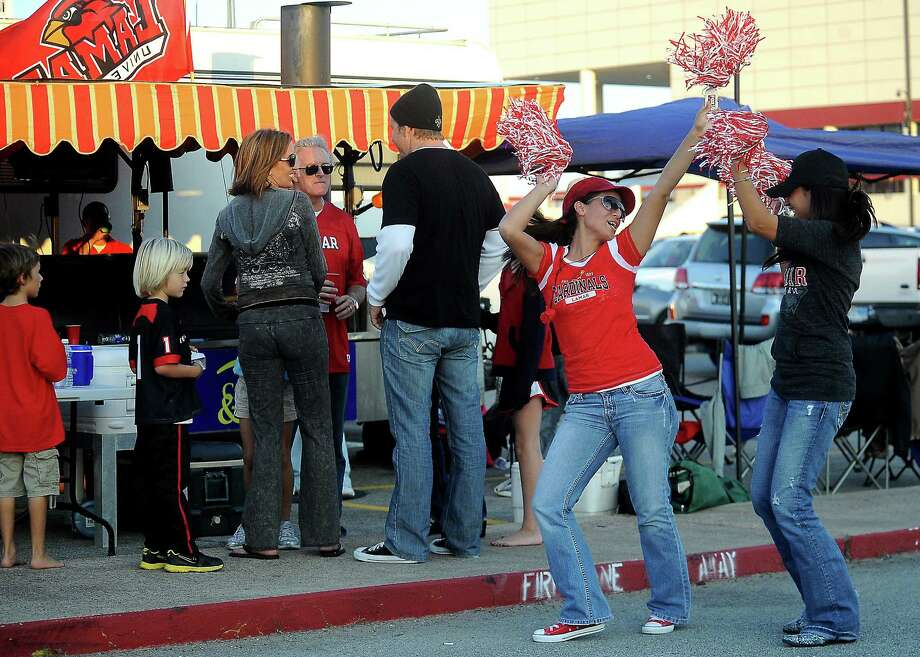 Tailgaters party outside the Provost Umphrey Stadium at Lamar University in Beaumont before the Lamar game against Stephen F. Austin, Saturday, November 5, 2011. Tammy McKinley/The Enterprise Photo: TAMMY MCKINLEY