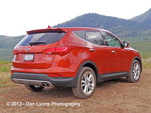 2013 Hyundai Santa Fe Sport (photo by Dan Lyons) / copyright: Dan Lyons - 2012