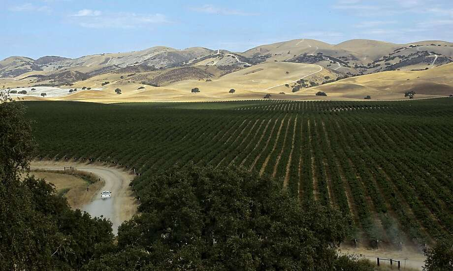 Oil drillers hoping to access the Monterey Shale beneath the Hames Valley in Monterey County face a delay with a ruling that the land was leased without studying the risks of fracking. Photo: Michael Macor, The Chronicle