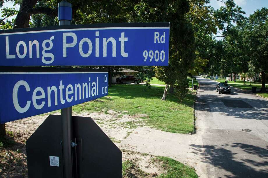 Centennial Drive, a tiny unprepossessing street in Spring Branch, produced in the 1960s a bumper crop of successful adults, including doctors and educators. Photo: Michael Paulsen, Houston Chronicle / © 2012 Houston Chronicle