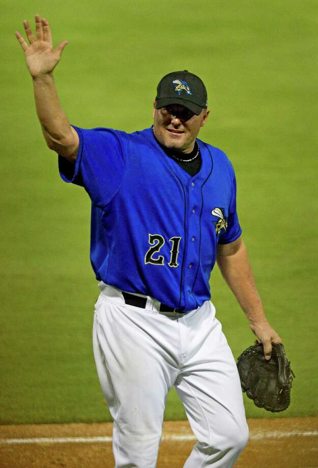 Sugar Land Skeeters starter Roger Clemens waves to the fans as he leaves the game during the fifth inning of a minor league baseball game against the Long Island Ducks at Constellation Field Friday, Sept. 7, 2012, in Sugar Land. Clemens gave up two hits during his stint of 4 2/3 innings. Photo: Brett Coomer, Chronicle / © 2012 Houston Chronicle