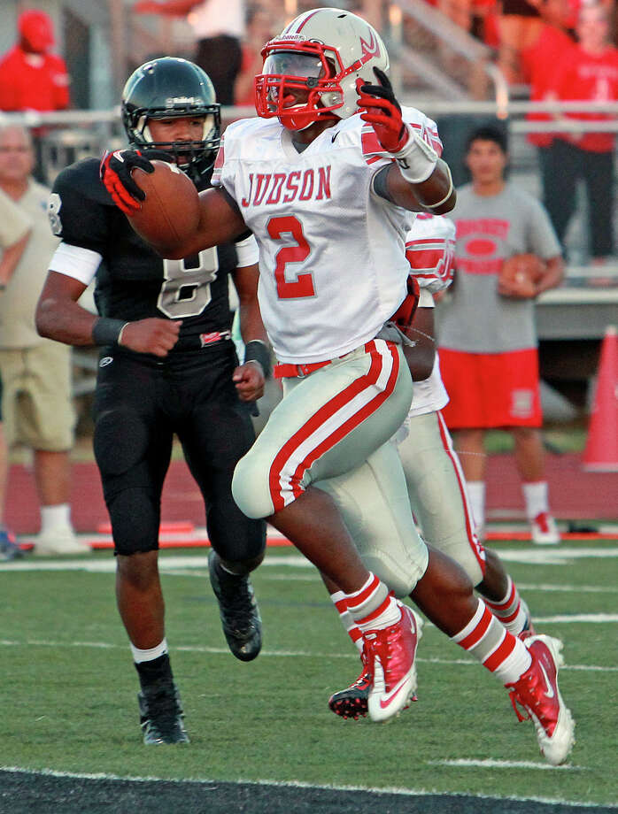 Jarveon Williams steps into the end zone for the Rockets as Steele hosts Judson at Lehnhoff Stadium on September 7, 2012. Photo: Tom Reel, Express-News / ©2012 San Antono Express-News